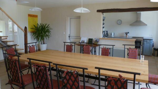 Grand séjour et salle à manger du gite pour 12 personnes